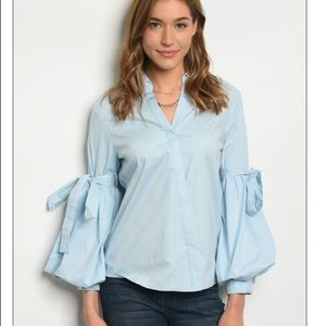 - puffy sleeves blue top